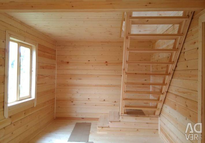 Case din lemn, bai, foisoare.