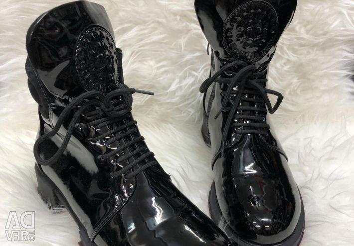 Λακαρισμένα Παπούτσια Φθινόπωρο