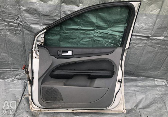 Двері передні праві на Форд Фокус 2 рестайлінг