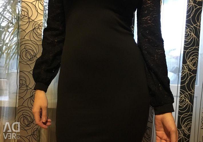 Сукня з вирізом і гіпюровим рукавом 42-44 р