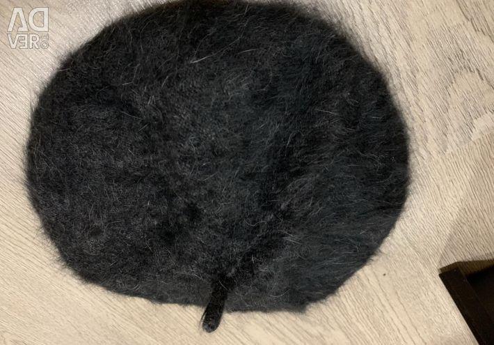 Λαμβάνει το καπέλο Zara