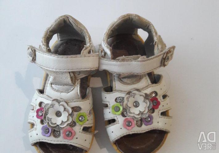 Sandaletler s.21