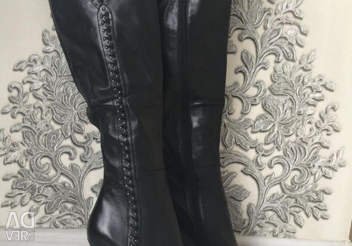 Нові осінні чоботи натуральні