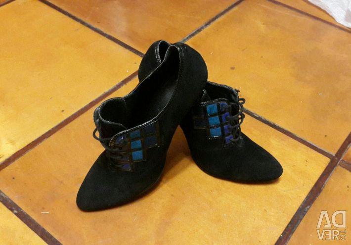 Παπούτσια / Μπότες Αστρά