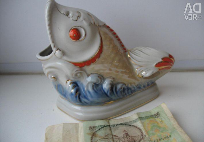Statuette-ashtray Fish