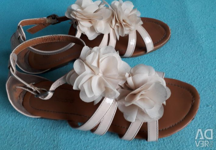 Sandale pentru femei în stil grecesc