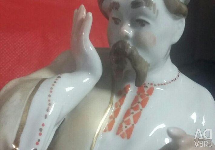 Figurines. Porcelain.