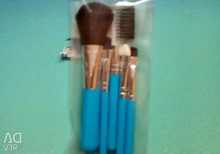 Makeup brushes set 5pcs + sponge kiriak