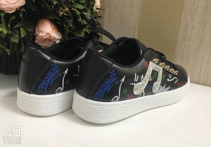 Ανδρικά παπούτσια, νέα
