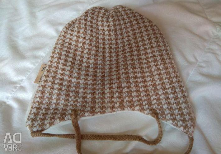 Demi-season hat for the boy