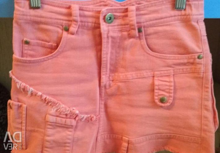 Юбка джинсовая кораллового цвета .