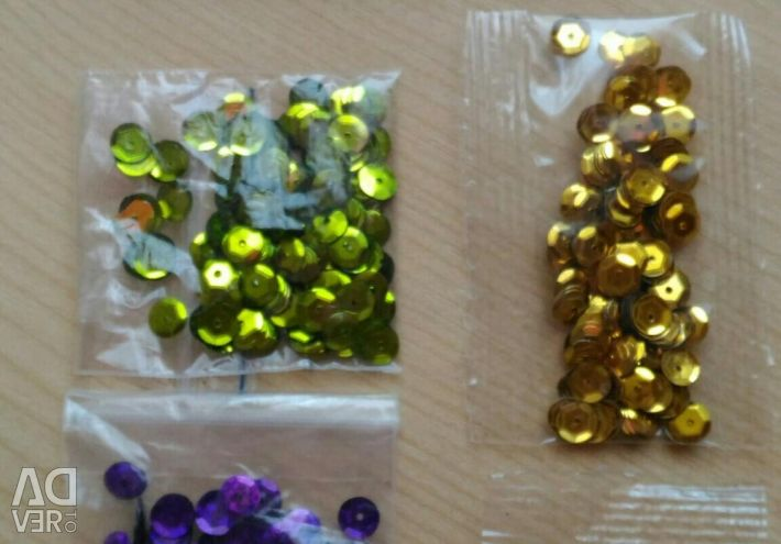 Paillettes for needlework