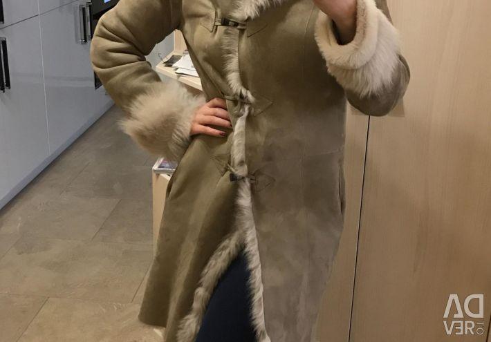 Δερμάτινο παλτό από τον Massimo Dutti
