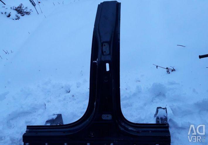Κατώφλι με το κεντρικό ράφι του Hyundai Santa Fe 3
