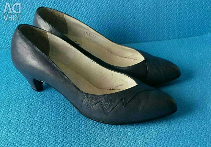 Shoes nat. leather, p. 38-39