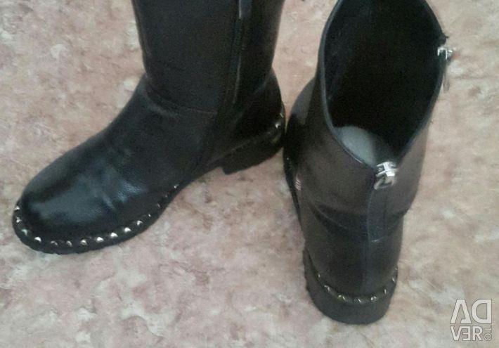 Οι μπότες ξεσηκώθηκαν