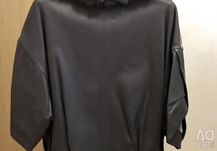 Шкіряна куртка з пітоном