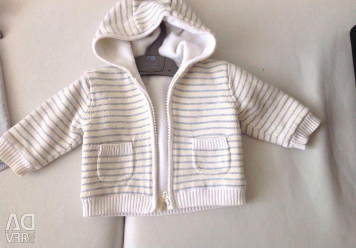 Knitted sweater on fleece. R. 62.