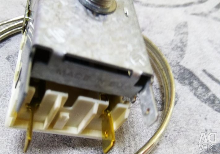 Thermostat (temperature controller)