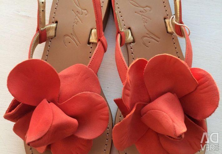 Sandals. Size 36