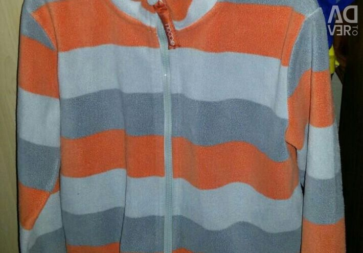 Fleece sweatshirt, p.152