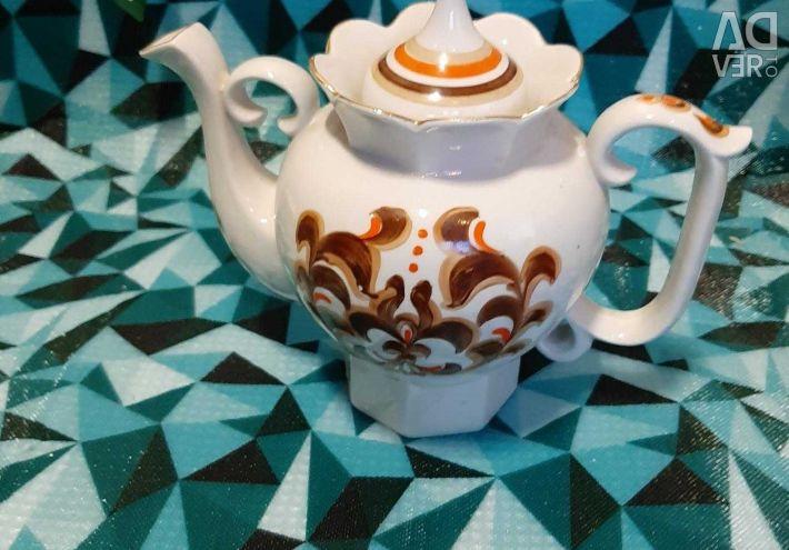 Porcelain teapot.