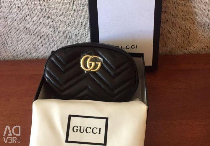 Gucci kemeri için çanta