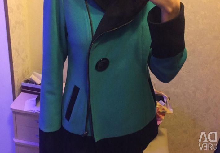 Short coat with hood