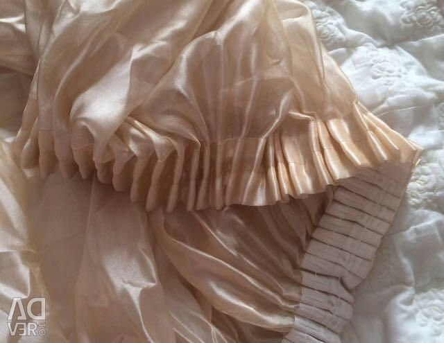 Tulle with tapestry