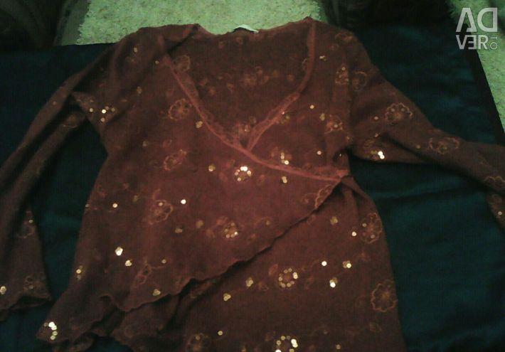 Λεπτή μπλούζα ανγκόρας με μπαλώματα