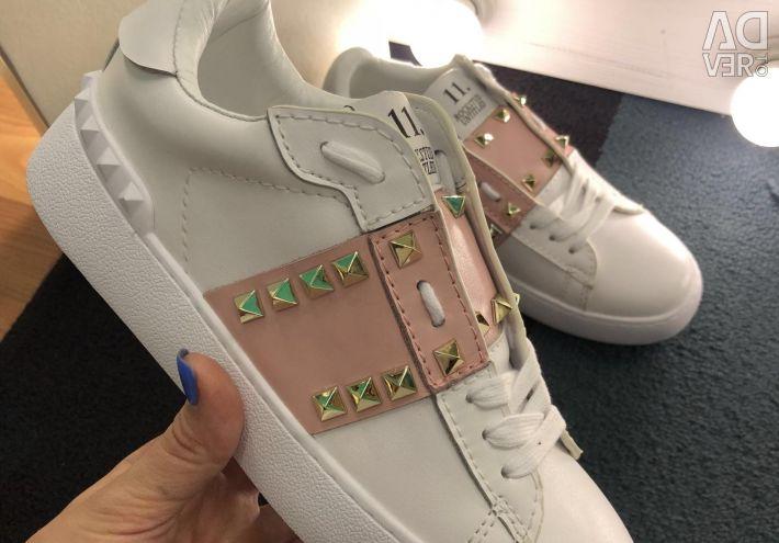 Pantofi din piele Valentino
