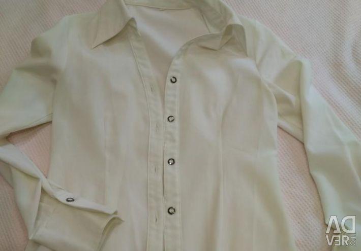 Λευκά πουκάμισα, μπλούζες 40-42p