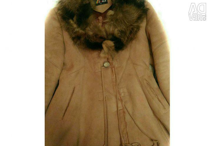 Ελαφρύ παλτό από δέρμα προβάτου για την άνοιξη