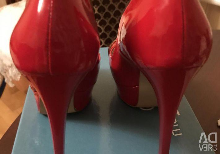 Παπούτσια σε άριστη κατάσταση