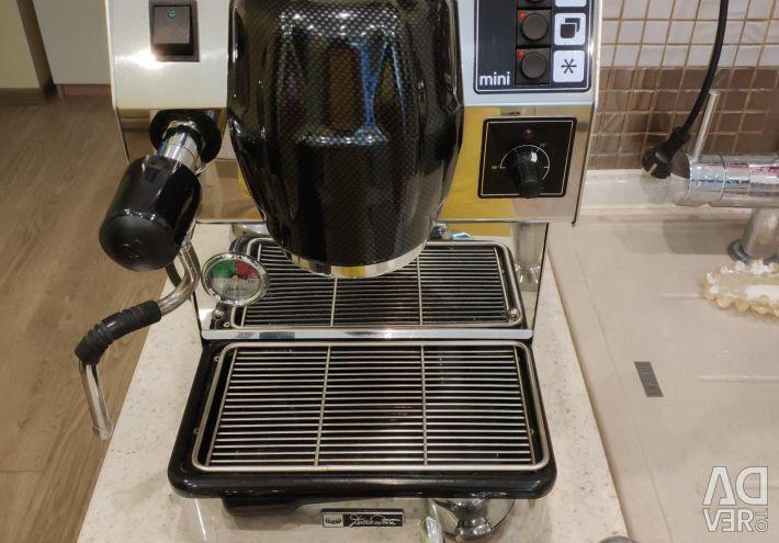 Επαγγελματική μηχανή καφέ DALLA CORTE MINI