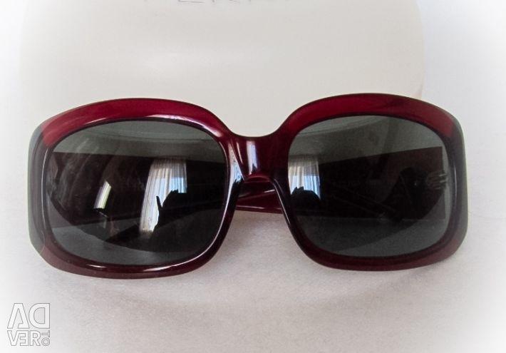Классические очки от бренда GF Ferre