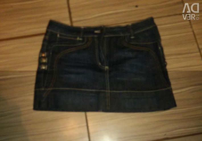 Продам джинсову спідницю італія
