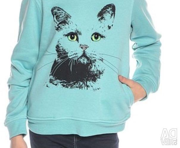 Sweatshirt with hood made by Sela