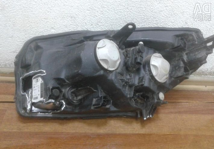 Headlight right Lada X-Ray oem 260107436r (scrapping. 2 krepl. Part of the body) (skl-3)