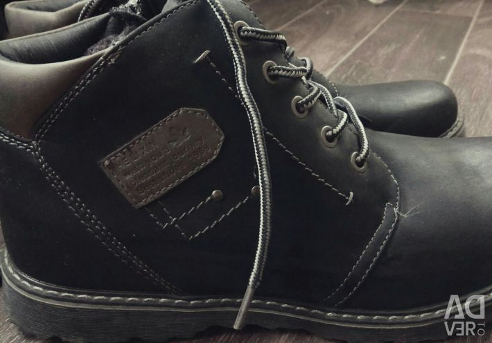 New men's winter boots 42 size