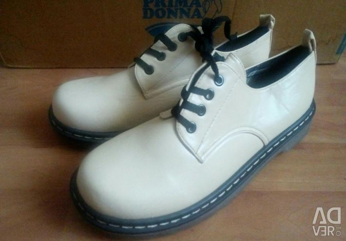 Boots type. Tsebo.