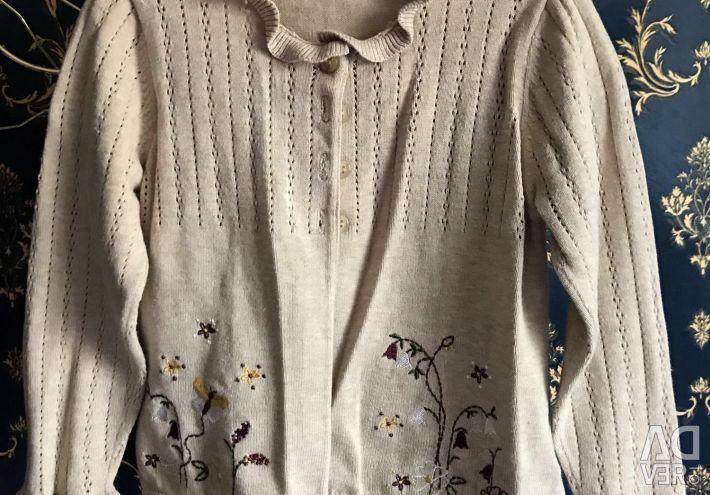 Η μπλούζα της μητέρας είναι 98 για 2-3 χρόνια.