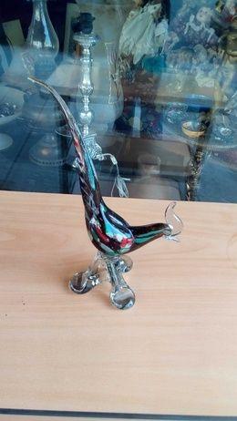 Cocoșul din sticlă de Murano.