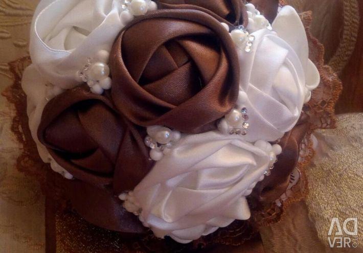 Bridal bouquet understudy for the bride