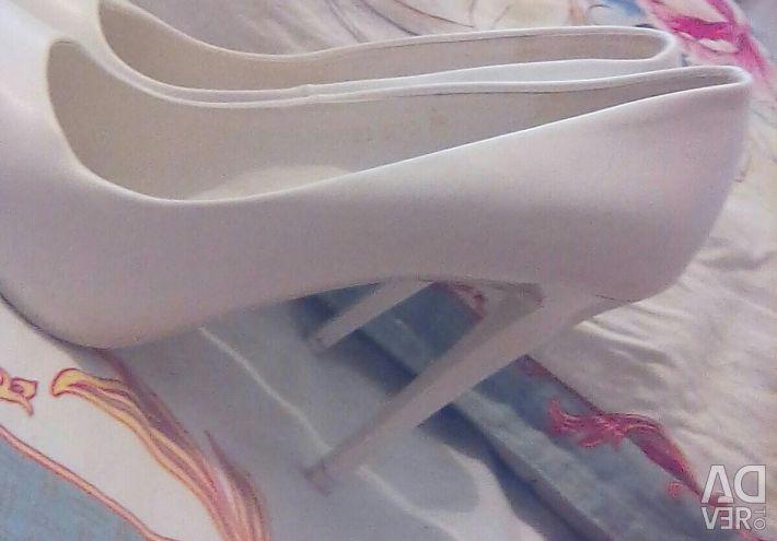 Banoo shoes