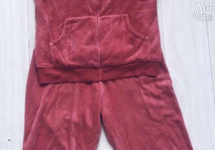 Κοστούμια βελούδου του Savage από την Masha Tsygal 46