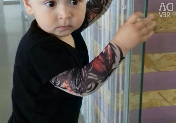 Longsliv with a tattoo