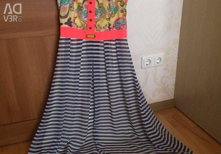 Bright summer dress to the floor