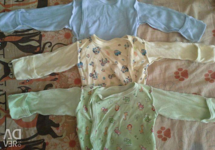 Υποδήματα και σώμα του μωρού