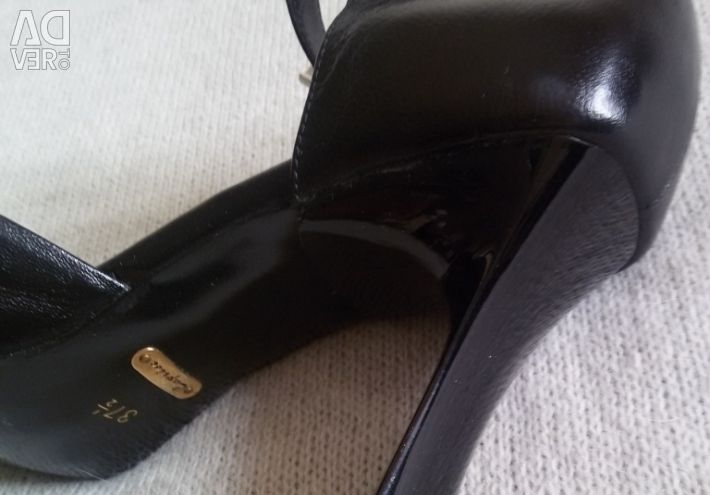 Sandals, new, Caprise, r-38